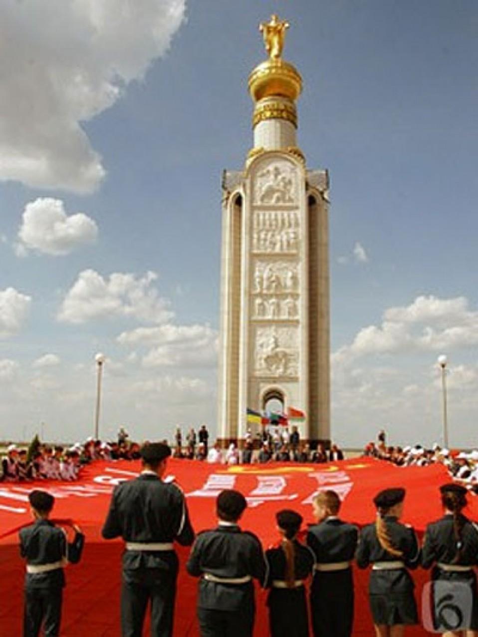 мемориал «Звонница» на Прохоровском поле
