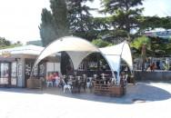 Тентовый навес над летним кафе «Хинкальная №1» панорамного ресторана «Чайка», г. Ялта